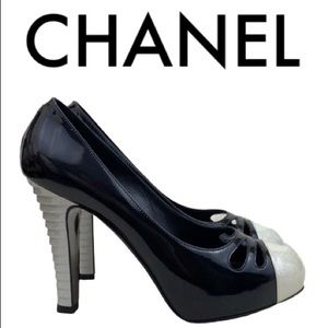 CHANEL BLACK WHITE SILVER HEELS SIZE 10